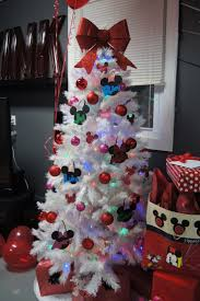 37 best minnie mouse christmas tree images on pinterest disney