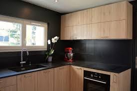 cuisine noir bois cuisine bois et noir meilleur idées de conception de maison