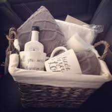 Honeymoon Shower Gift Ideas Bridal Shower Basket Idea Wrapped In Tulle For The Mr U0026 Mrs See