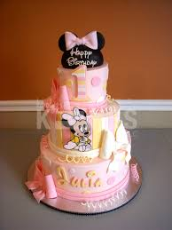 minnie mouse birthday kake cakes iced in buttercream marshmallow