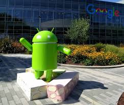 android statues bringing an android nougat statue to montélimar