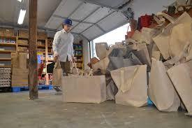 thanksgiving food bank volunteer food bank finds its harvest as community dinner offered at b u0026g