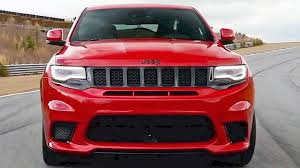 badass jeep grand cherokee 2018 jeep grand cherokee trackhawk is a 707hp muscle car is suv form