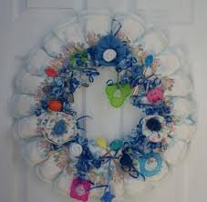 How To Make Baby Shower Centerpieces by Howto Make A Diaper Wreath Instructions Baby And Newborn Crafts