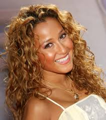 medium hairstyles for hispanic women 10 tips for taming your curls