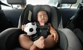 siege auto nourrisson ne laissez pas bébé trop longtemps dans siège auto zappy be
