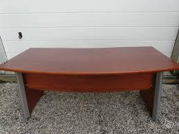 bureau bois occasion bureau bois exotique et fauteuil pivotant occasion
