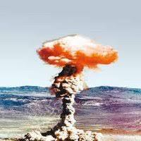 Essais nucléaires de Reggane(Algérie) 24 fois plus puissants que ceux de Nagasaki et Hiroshima