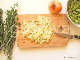 comment cuisiner des feves fraiches fèves fraîches aux lardons et à la sarriette la recette gustave
