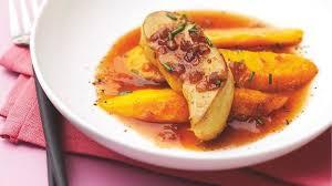 cuisiner le foie gras cru recette escalopes de foie gras poêlées aux mangues jus de porto et
