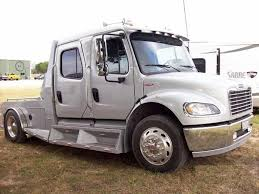 right front white 2006 freightliner business class m2 truck photo
