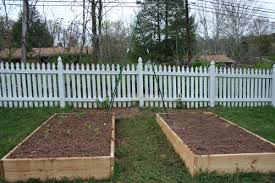 start a new garden bed with a compost sandwich vegetable gardener