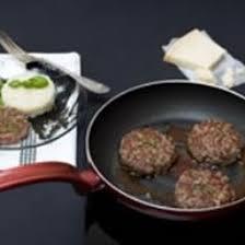 cuisiner steak haché recette steak haché au basilic parmesan et sauce au vinaigre