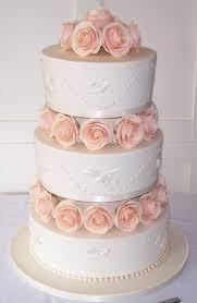 wedding cake edinburgh edinburgh wedding cakes glasgow 3 tier royal iced wedding cake