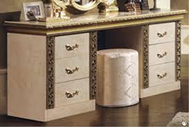 coiffeuse chambre luigi laque ivoire et dore chambre a coucher la coiffeuse