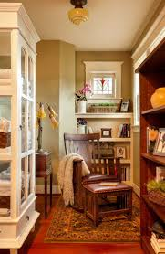 Craftsman Style Window Treatments Best 25 Craftsman Wall Decor Ideas On Pinterest Window Crown
