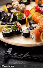jeu de cuisine sushi cuisine japonaise jeu de sushi photographie ostancoff 140979232