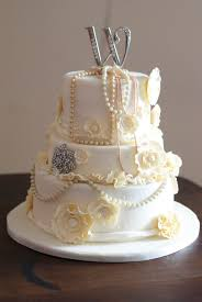country cupboard cakes ivory vintage wedding cake