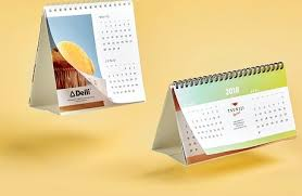 How To Make Your Own Desk Calendar Custom Calendars Make Your Own Calendar Camaloon