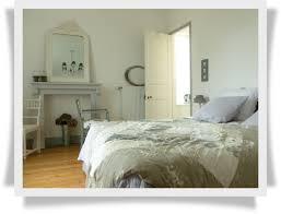 chambre gris perle château bily chambres d hôtes hôtel de charme à loudéac