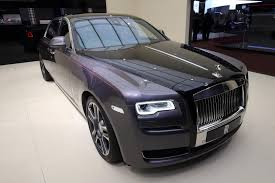 luxury cars rolls royce rolls royce destroyed 1 000 diamonds to paint this ghost