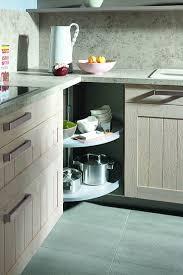 eckschrank küche landhausküche mit lemans karussell eckschrank