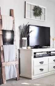Small Living Room Decorating Ideas Pictures Best 25 Above Tv Decor Ideas On Pinterest Wall Decor Above Tv