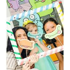 diy photo booth frame diy stripe selfie frame photo booth prop for kids birthday