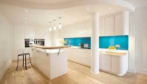 küche türkis küchenrückwand aus glas positiven beitrag zur das aussehen der küche