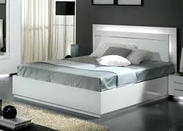 photo de chambre a coucher adulte lit city laque blanc chambre a coucher peinture chambre coucher