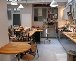 cuisine bois et inox cuisine inox et bois dans loft à idée décoration de cuisines