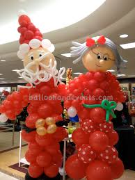 the world famous mr u0026 mrs claus balloons claus christmas