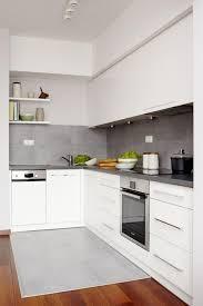 weisse küche die besten 25 küche weiß grau ideen auf weiße küchen