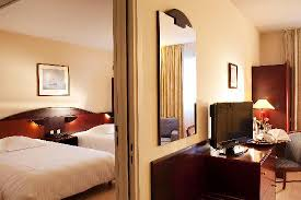 chambres communicantes chambres communicantes picture of l amiraute brest tripadvisor
