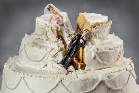 wedding cake pictures cement icing from 15 worst wedding cake disasters the daily meal
