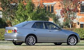 lexus is200 year 2000 lexus is saloon review 1999 2005 parkers