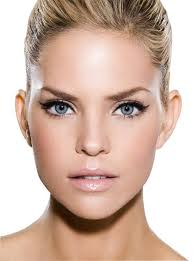 natural airbrushed makeup look