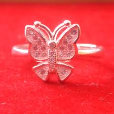 silver ring in butterfly design with small cutting look