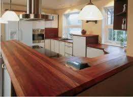 cuisine plan de travail bois massif plan travail cuisine plan de travail trou pour se faciliter la vie