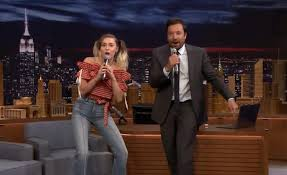 see it miley cyrus performs translated songs ny daily news