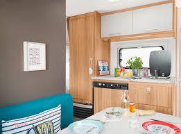 cuisine caravane caravelair caravanes focus sur la gamme antares automobile