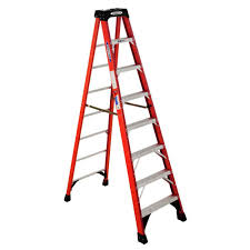 werner 8 ft fiberglass step ladder with 300 lb capacity