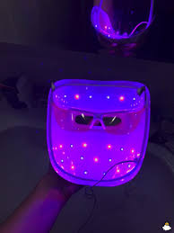 How Does Light Therapy Work I Tried The Neutrogena Light Therapy Acne Mask For A Week