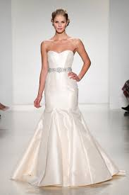 find a wedding dress ask the experts where can i find a mermaid gown that isn t lace
