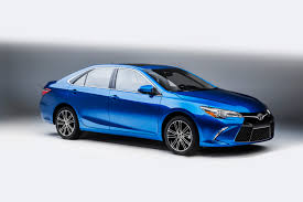 nissan altima 2015 vs toyota camry 2015 camry keeps midsize sedan sales lead but loses overall crown