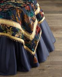 Cloth Table Skirts by 591 Best Divine Designs Table Linens Images On Pinterest Design