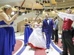 wedding arches montreal habs fans to tie the knot at montreal forum