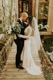 weddings in atlanta unique atlanta treehouse wedding junebug weddings