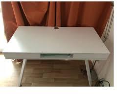 vend bureau vend bureau et lit simple vannes 56000 meubles pas cher d