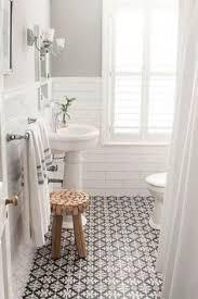 small white bathroom ideas comment agrandir la salle de bains 25 exemples small